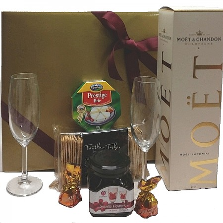 Gourmet-hamper-send-a-basket-moet-rosella-delight