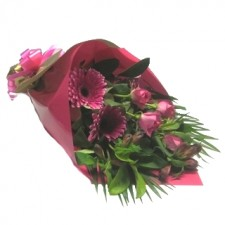 flowers-send-a-basket-scarlet