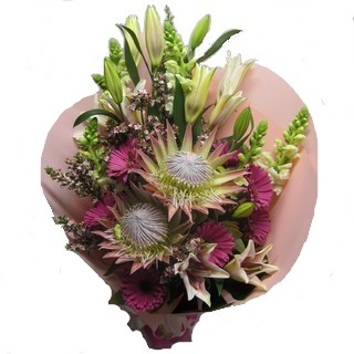 Gift Package - Send a Basket - p-952-king-protea-bqt-88