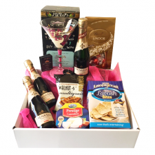 gift hampers send a basket  Oh La La   110