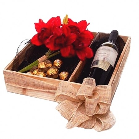 Gift-basket- send-a-basket-red-wine-ferreros