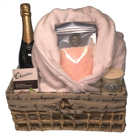 pamper-hamper-send-a-basket-bathrobe-and- bubbly-155