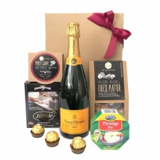 veuve-hamper - send-a-basket-veuve-to-you
