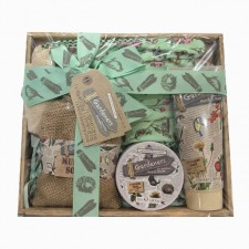 gift-hamper-send-a-basket-gardeners- box
