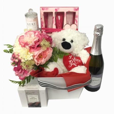 valentine-send-a-basket-sweet-bear-pamper