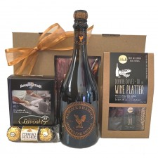 girft-hamper-send-a-basket-sparkling- shiraz