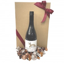 wine-hamper-send-a-basket-red-wine-choccies
